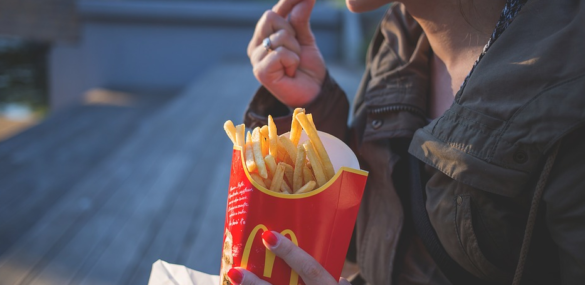 Whoa: Man Arrested After Punching Fast-Food Workers For Getting His Order Wrong [Video]